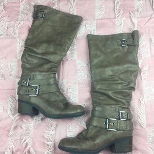 5071e84e626 Carlos Santana · Carlos Santana Claudia taupe Calf heel Boot